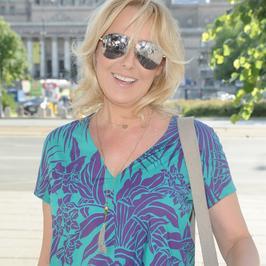 Agata Młynarska w letniej stylizacji na premierze swojej książki. Jak wypadła?