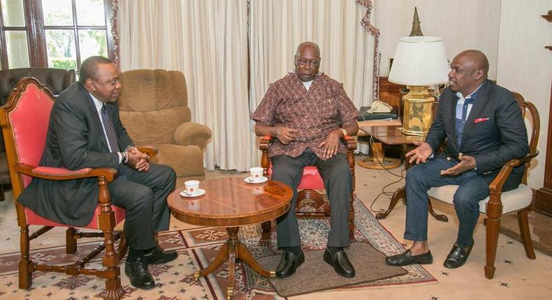 President Uhuru Kenyatta with senatro Gideon Moi during a past visit to former President Daniel Arap Moi (twitter)