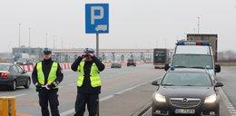 Policjanci pomogli rodzicom dowieźć dziecko do szpitala