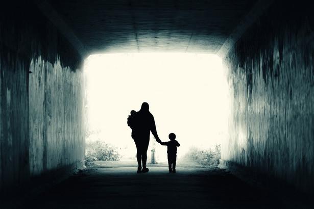 Samotne rodzicielstwo nie zawsze jest skutkiem wyboru