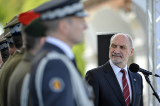 Macierewicz: Wojsko jest tarczą i siłą narodu