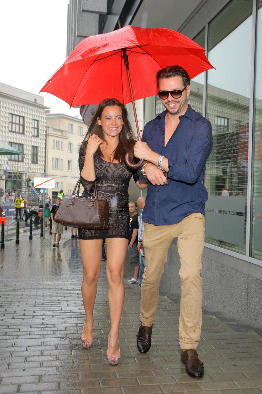 Anna Mucha (38l.) i Marcel Sora