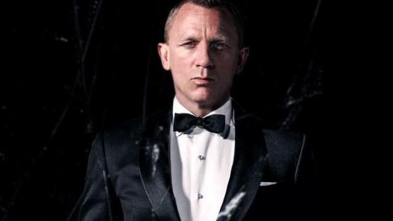 Daniel Craig, wcielający się w agenta 007, wrócił już na plan, po tym jak niedawno skręcił sobie kostkę, kręcąc jedną ze scen