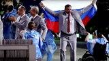 Niósł rosyjską flagę. Będzie miał kłopoty