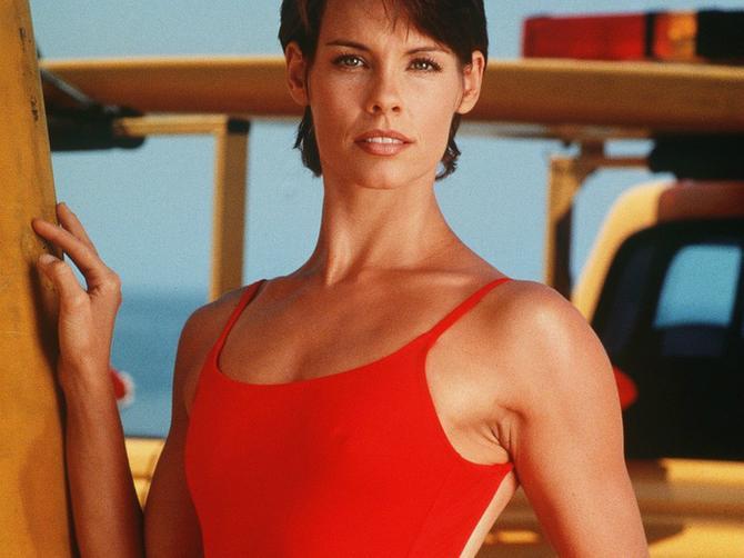 """Sećate li se Stefani iz """"Čuvara plaže""""? Oduševiće vas kako danas izgleda"""