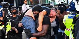 Czarnoskóry uratował rasistę przed rozwścieczonym tłumem
