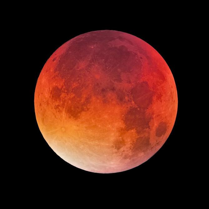 Večeras je pun krvavi mesec