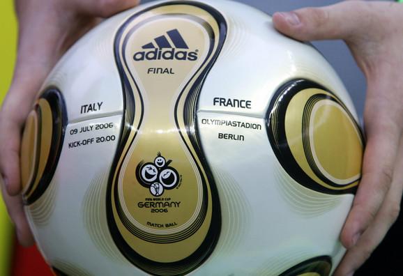 Zvanična lopta za šampionat sveta održan 2006. u Nemačkoj