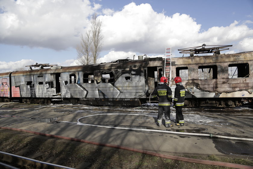 Pożar na bocznicy kolejowej przy ul. Paczkowskiej we Wrocławiu