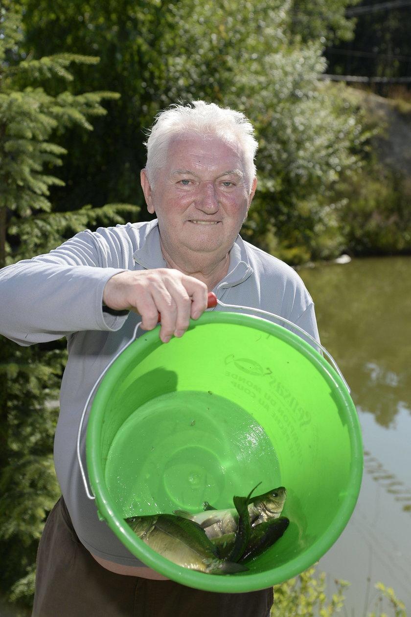 Andrzej Turski z rybami