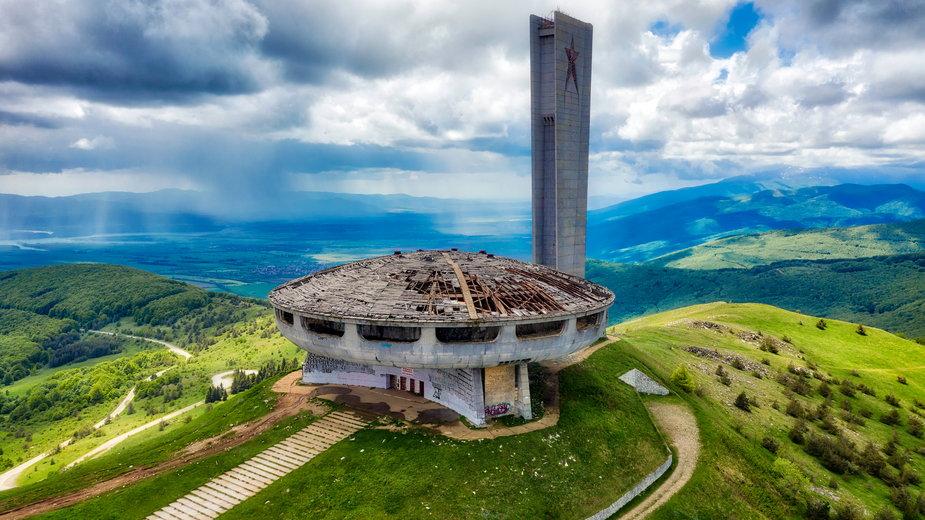 """Buzłudża, """"świątynia komunizmu"""" w Bułgarii"""