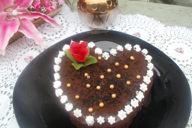 Srce torta: Kremasta i čokoladna, topi se u ustima!