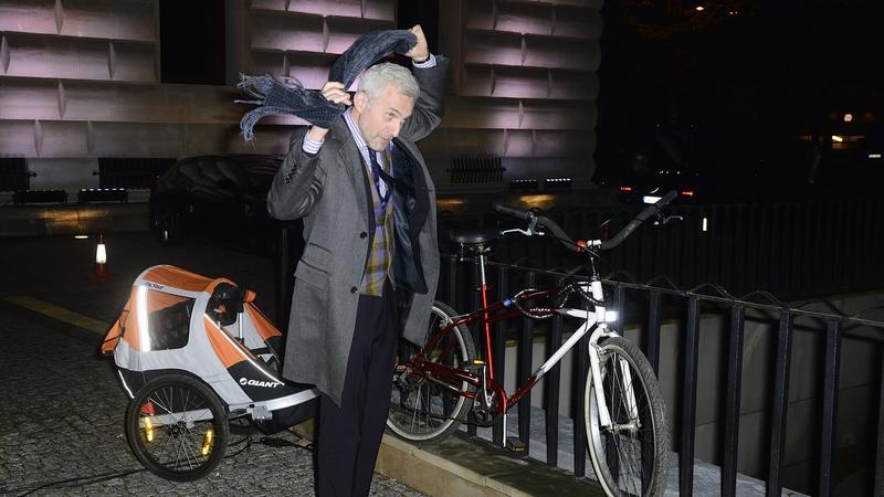 Urbański przyjechał na imprezę rowerem