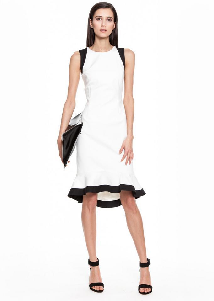 2408f12b8b Dopasuj sukienkę do swojego wieku - Moda