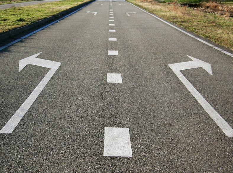 Sporne podwyżki za przejazd na A4, opóźnienie na A2