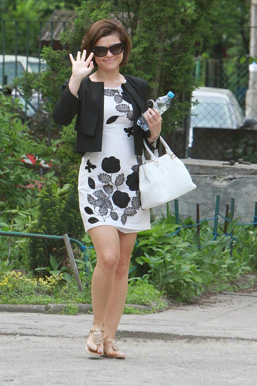 Kasia Cichopek w białej sukience