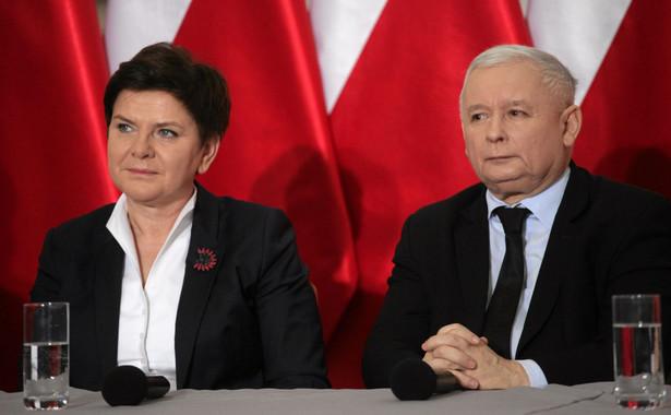 Beata Szydło i Jarosław Kaczyński na wspólnej konferencji prasowej.