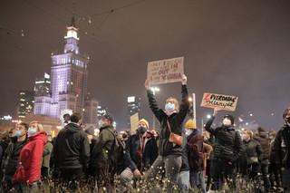 Strajk kobiet: Marsz 'Na Warszawę'. Tysiące ludzi na ulicach