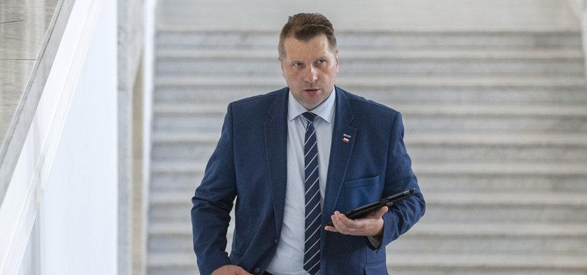 Rokosz u Czarnka. Jego doradca pisze o tępej propagandzie TVP i braku zgody na chamstwo i zmiany w edukacji