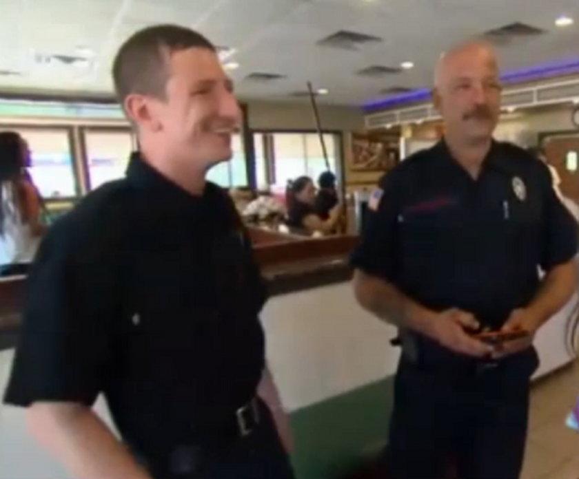Kelnerka zapłaciła za śniadanie strażaków, niesamowite jak jej się odwdzięczyli!