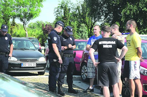 Građani su i juče na pojedinim mestima u Srbiji pokušavali da organizuju blokade zbog visoke cene naftnih derivata