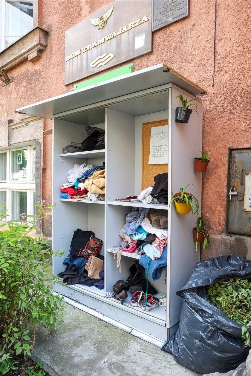 Na poznańskich Jeżycach stanęła szafa Givebox