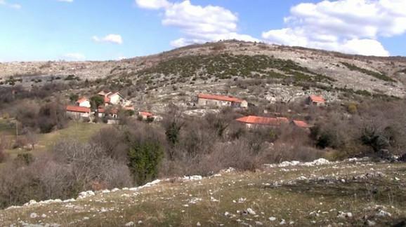 Seljani sela Mišljen strahuju od minskih polja