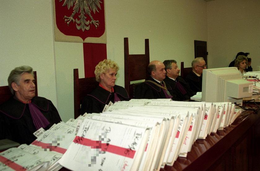 1996 r. Rozpoczęcie [procesu wampira z Bytowa.