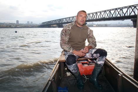 Uvek spreman da uđe u čamac i pomogne