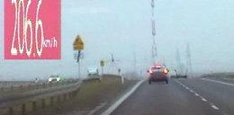 Kobieta pędziła skodą ponad 200 km/h. Zatrzymała ją policja