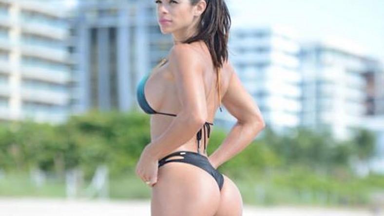 Lewin zdobyła w ubiegłym roku tytuł Miss Pośladków. Pochodząca z Wenezueli piękność zgromadziła na Facebooku blisko 7-milionową rzeszę fanów… Oto jak prezentuje się w bikini!