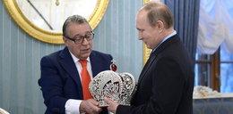 Putin założył cesarską koronę