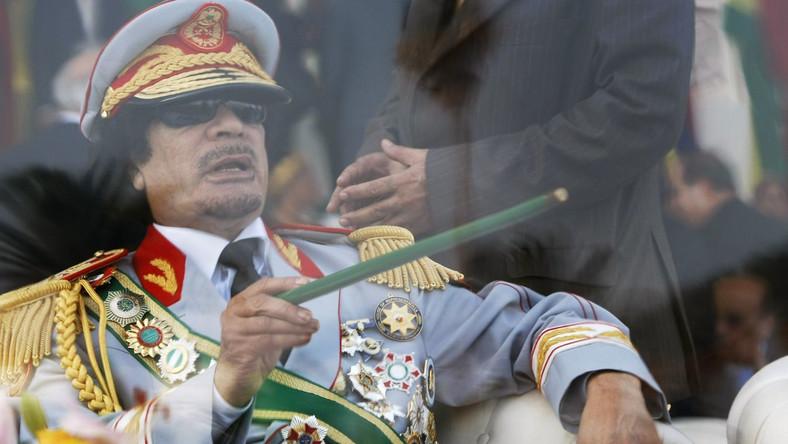 Obama chce karać Kadafiego sankcjami