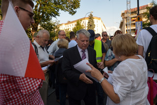 Borusewicz przed Sejmem: Decyzja prezydenta pokazuje, że naciski obywateli są skuteczne