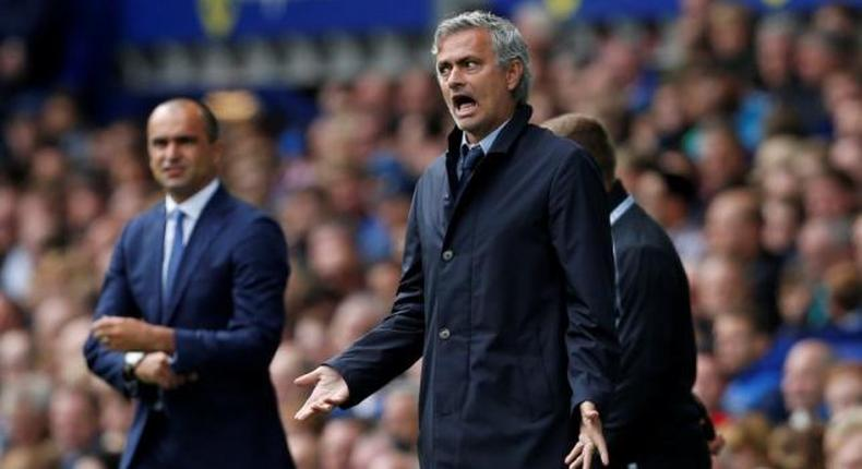 Soccer-Mourinho clashes with Martinez after Everton loss