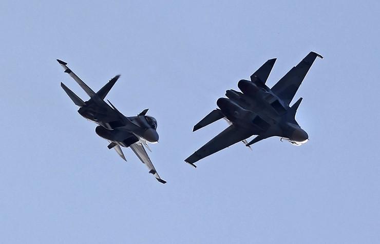 """TENZIJE NA NEBU: Njemački """"eurofighteri"""" presreli tri ruska aviona"""