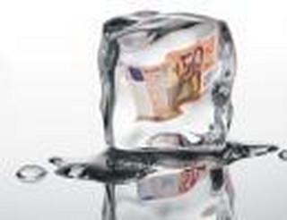 Rachunek w banku nie tylko do obsługi finansów. Przez konto zamówisz hydraulika lub prawnika
