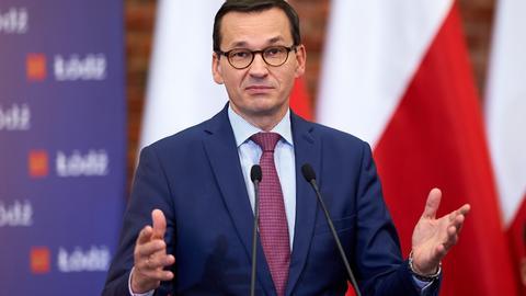 I slutten av april 2018 annonserte statsminister Mateusz Morawiecki en ny skatt for de rikeste.  Han sa da at den skulle bli effektiv fra 2019