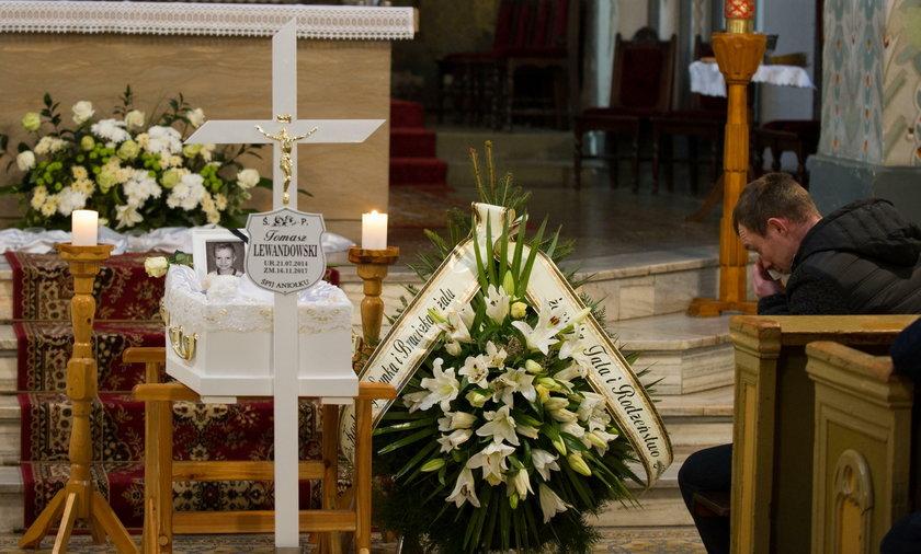 Pogrzeb skatowanego Tomusia