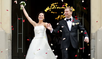 Ile nowożeńcy dostają w kopertach? Będziecie w szoku