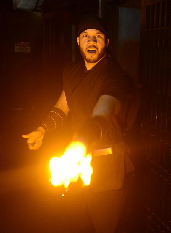 Konobari kao nindža ratnici u neobičnom njujorškom restoranu