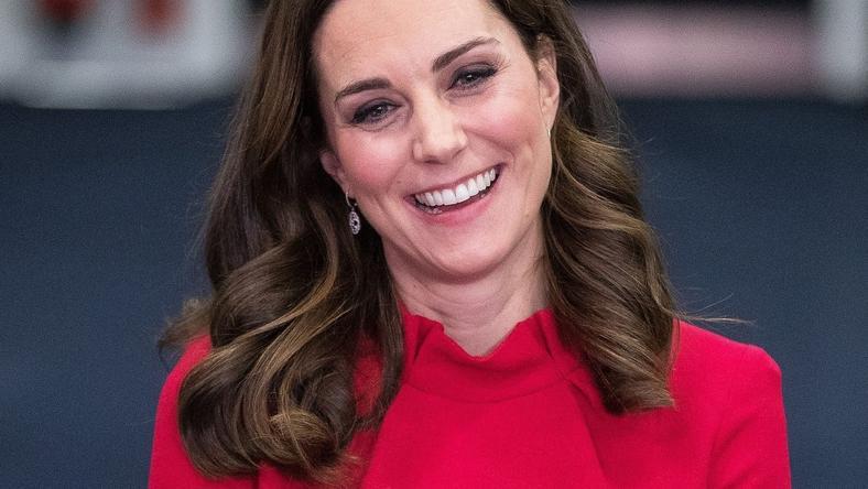 Księżna Kate w czerwonej sukience