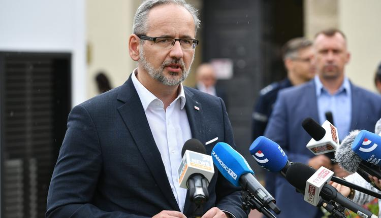 Niedzielski w Zamościu: Doszło do aktu terroru. To atak na państwo polskie