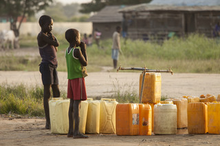 Ciężarówka z 10 tonami żywności dotarła do Sudanu Południowego