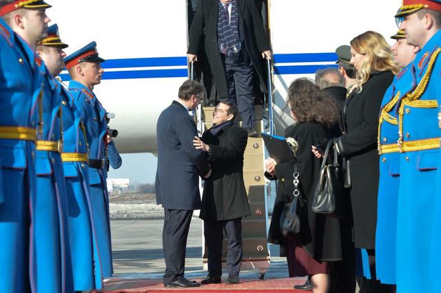 Cipras je nešto pre 10 časova sleteo na beogradski aerodrom, a dočekao ga je premijer Vučić