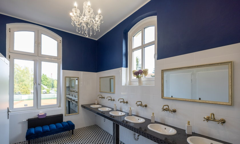 Tak wygląda damska łazienka w III LO w Zabrzu.  Robi wrażenie, ale wcale nie wydano na nią wielkich pieniędzy