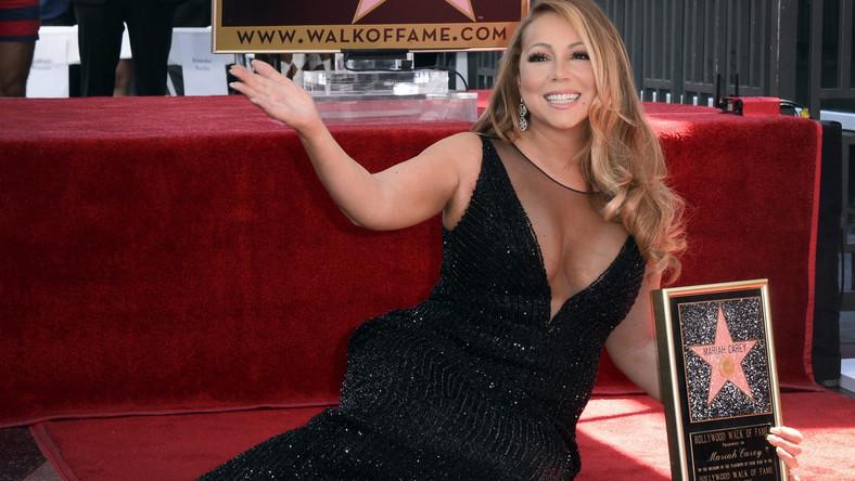 Co za niesamowity dzień –napisała Mariah Carey na swoim profilu, dziękując wszystkim, którzy zorganizowali ceremonię na Bulwarze Sławy.