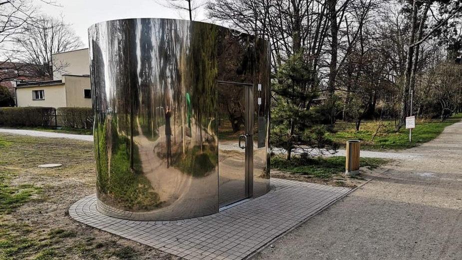Nietypowe toalety miejskie we Wrocławiu