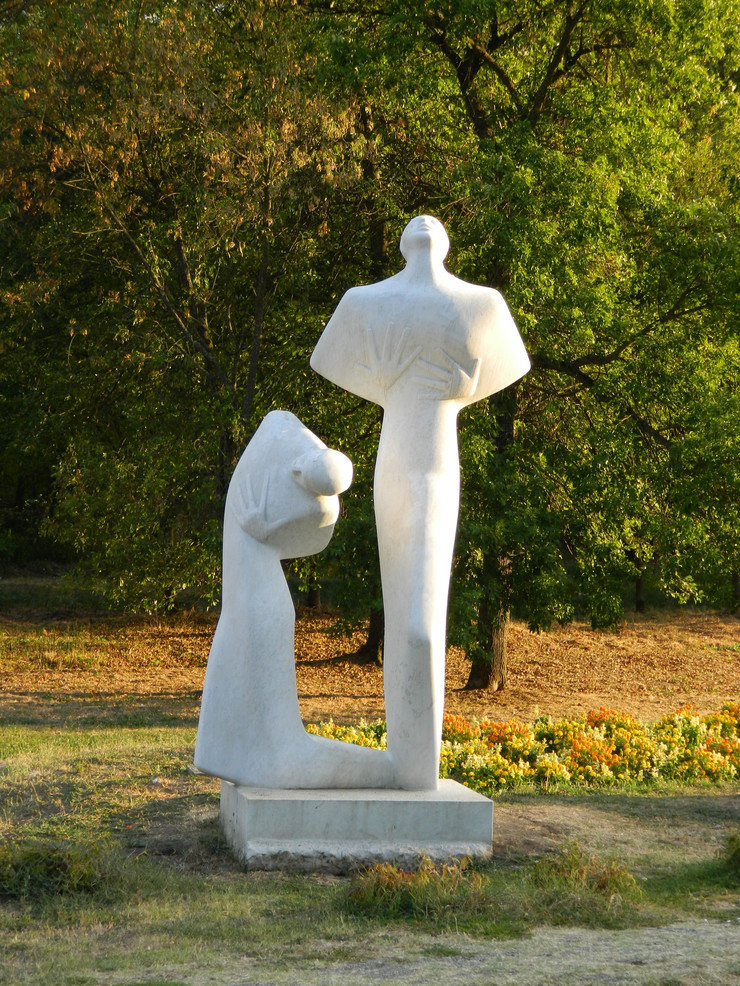 Kragujevac umarice Spomenik bola i prkosa