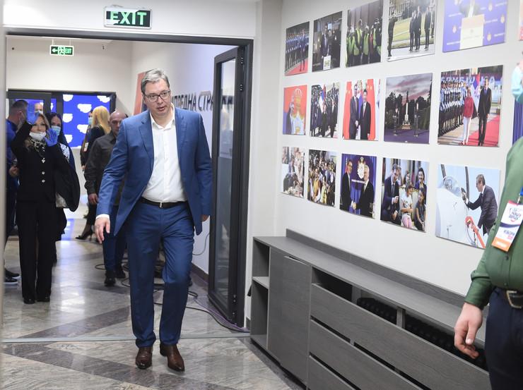 Aleksandar Vučić u štabu SNS